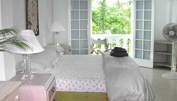 Master-Bedroom - Moon San - Port Antonio